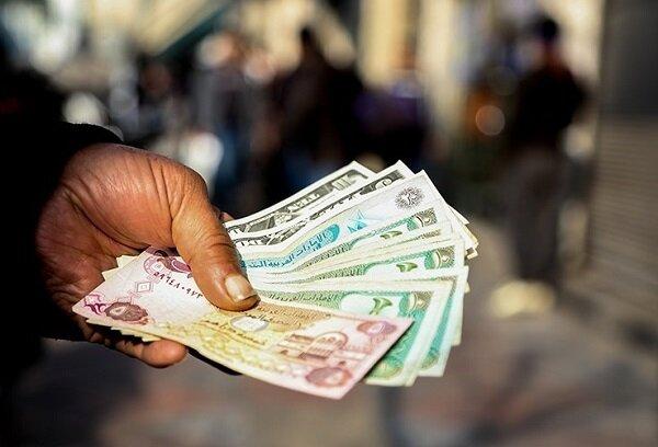 قیمت دلار و یورو در فروردین ماه کاهشی شد