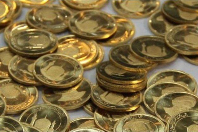 سکه ۲۰۰ هزار تومان ارزان شد/کاهش ۲۵۰ تومانی نرخ دلار