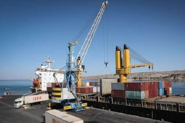 صادرات از طریق بندر چابهار در فروردین ماه ۱۰۰ درصد رشد داشته است