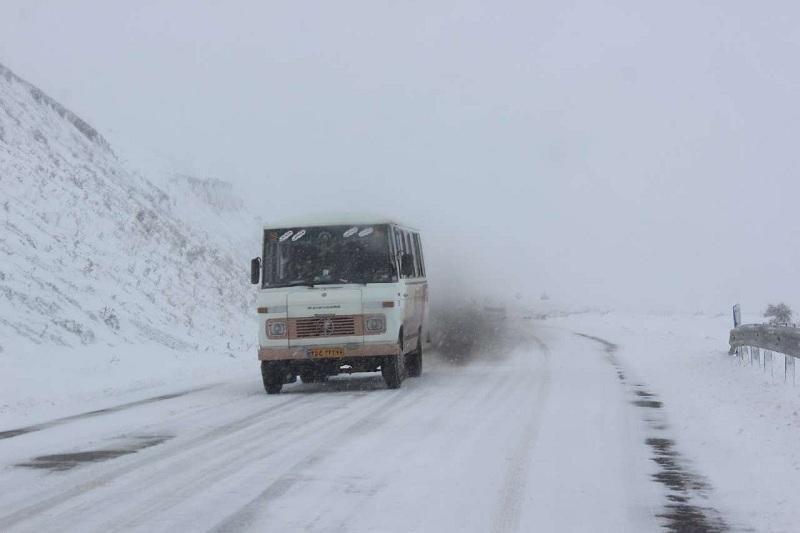 انسداد محور دیباج- گلوگاه و بادله کوه/ راههای مهدیشهر باز است