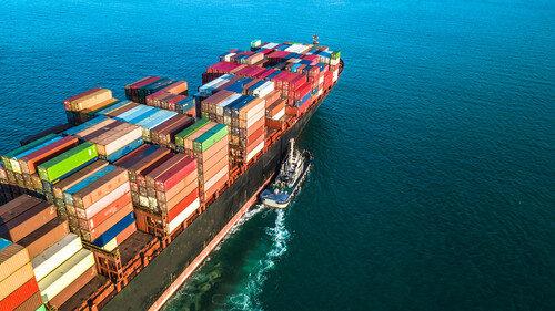 چشم انداز رو به رشد تجارت کانتینری در جهان  تا ۲۰۲۳