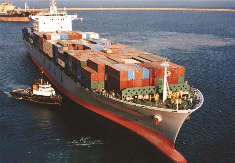 امنیت کشتیهای تجاری همه کشورها را تأمین میکنیم/ ناوگان خارجی نگران ورود به بنادر تحت مالکیت ایران نباشند