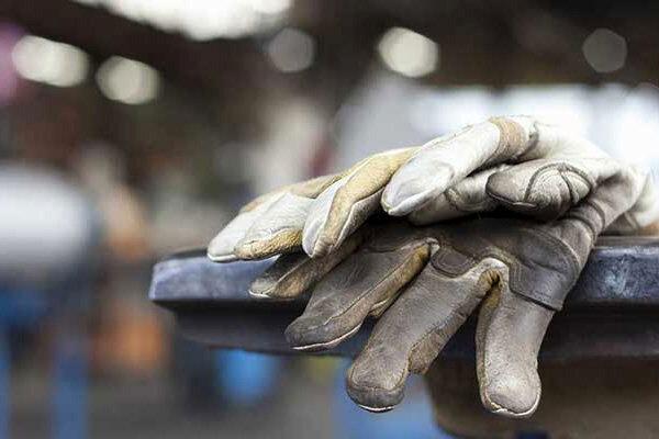 بحران کرونا، تحریم و قطعی برق فعالیت اقتصادی در قم را سخت کرده است