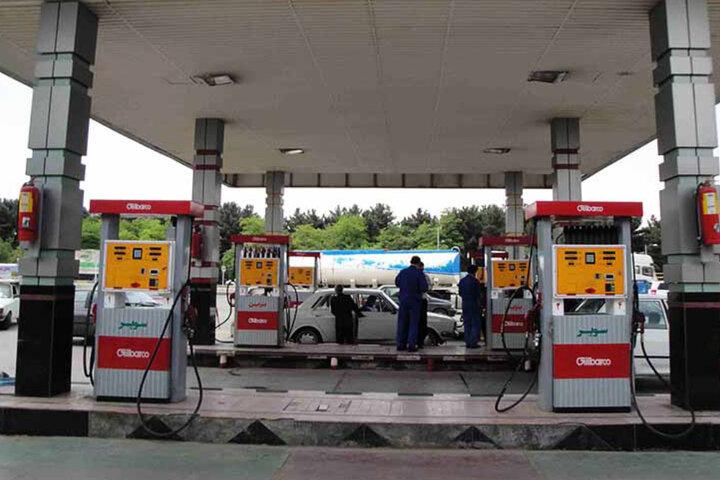 نصب برچسب های رنگی استاندارد بر روی نازل های سوخت/ ۷۶۹۵ نازل پمپ بنزین در استان تهران مورد بازرسی قرار گرفت