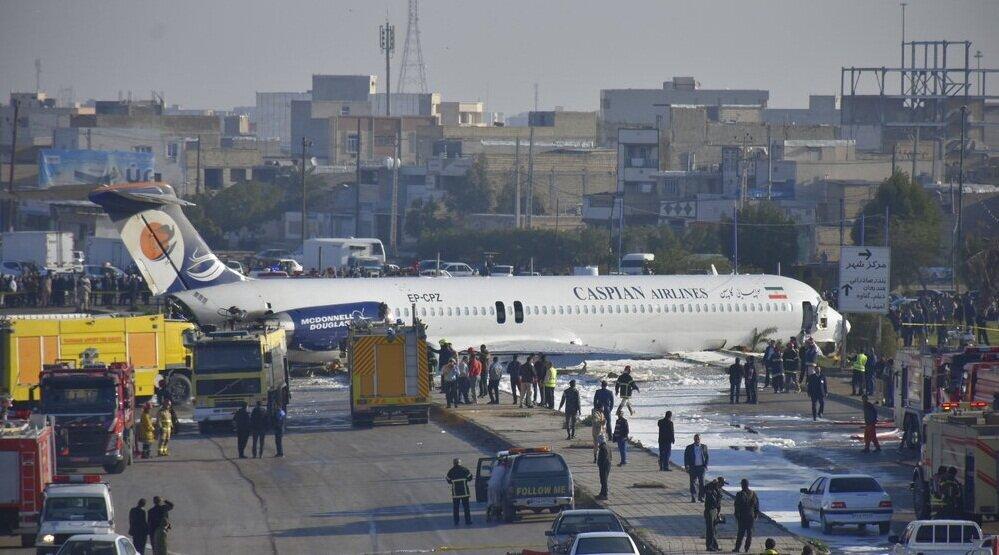 بررسی سانحه پرواز ماهشهر ادامه دارد/ تعلیق موقت خلبان بخشی از روند بررسی سانحه است