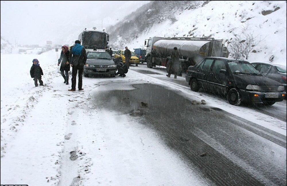 آزادراه تبریز- زنجان به دلیل بارش برف مسدود شد