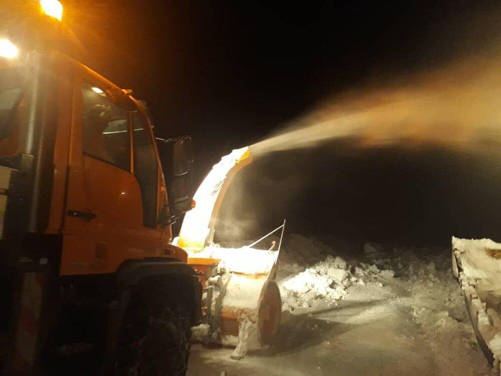 شدت کولاک عملیات بازگشایی روستاهای محصور در برف را سخت کرده است