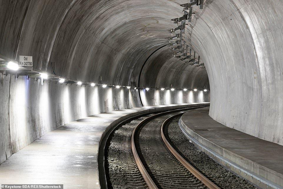 ۲۰ هزار پل و زیرگذر راه آهن در کشور نیاز به ساماندهی دارد