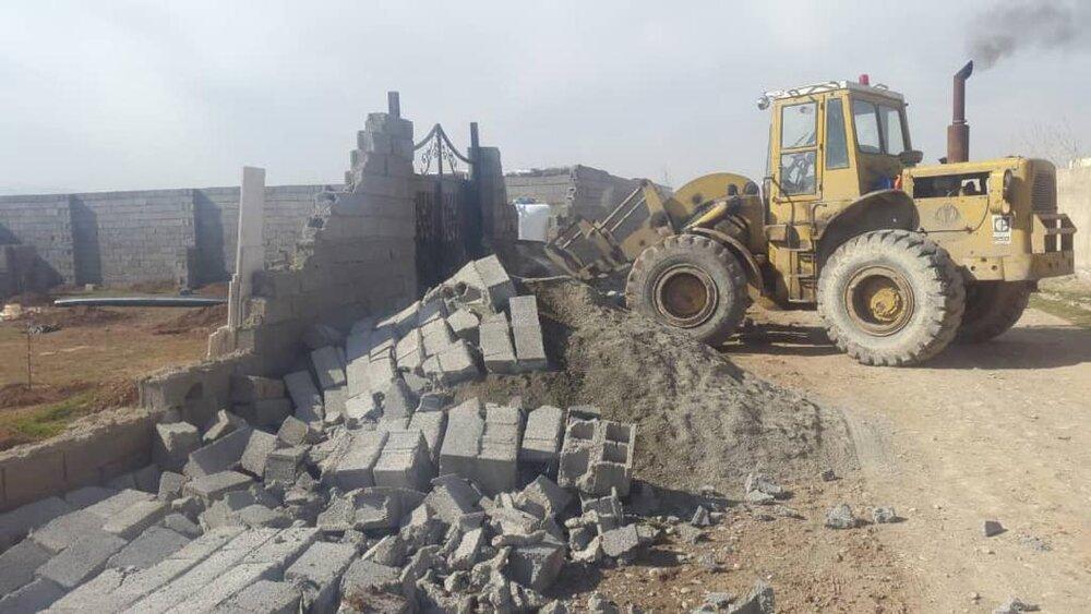 تخریب ساختوسازهای غیرمجاز در عرصه تاریخی شهر کهن نیشابور