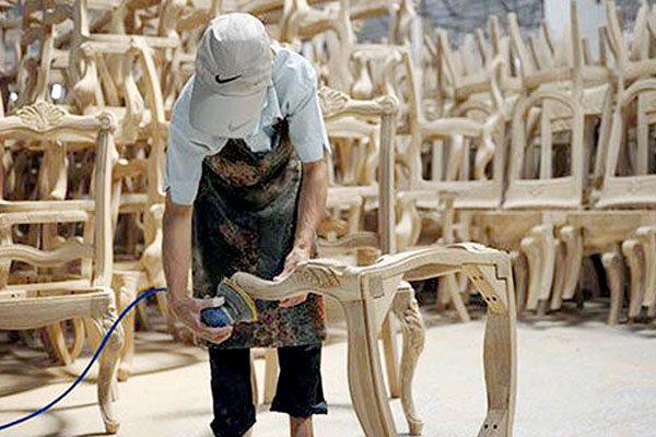 قم یکی از قطبهای قدرتمند تولید صنایع چوبی کشور است