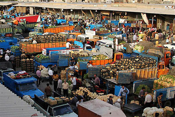 ازدحام در بازار میوه و ترهبار مشهد/ ستاد تنظیم بازار قیمت میوه را افزایش داد