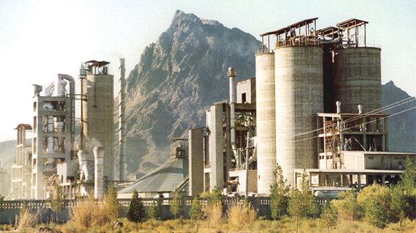 تولید ۱۲۰ میلیون تن سیمان در ۱۴۰۴   کارخانه ها با ۷۰ درصد ظرفیت کار می کنند