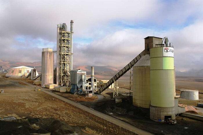 قیمت هر پاکت سیمان بزودی به کمتر از ۲۵ هزار تومان می رسد| عرضه تولیدات ۷۶ کارخانه در بورس