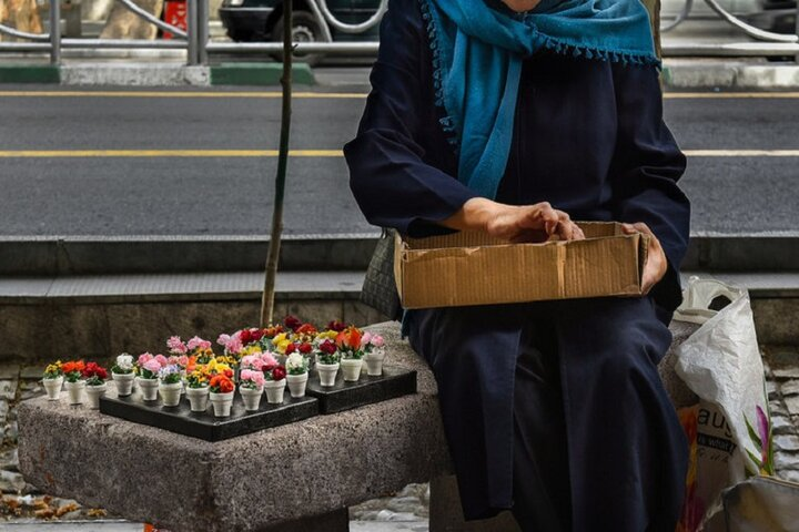 عیدی یک میلیون تومانی بنیاد مستضعفان به ۴۰۰۰ دستفروش