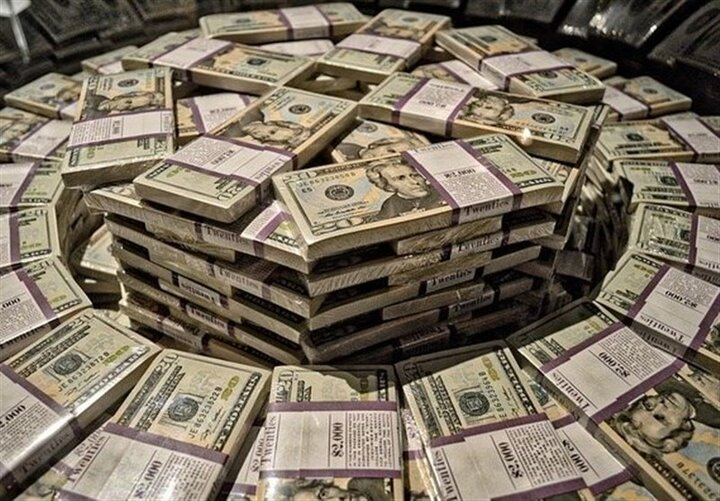 جدال بانک مرکزی با ابرثروتمندان برای تعیین نرخ ارز! | مقصر اصلی گرانی ارز در بازار کیست؟