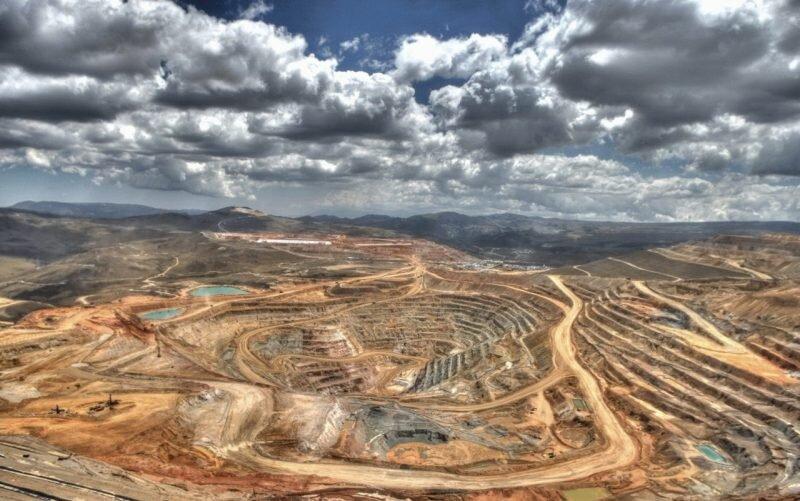 خام فروشی ۲۰ میلیون تن گنج/ تعطیلی معادن حریم غار اسپهبد