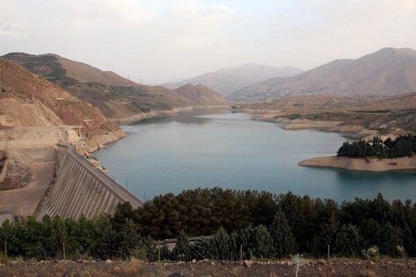 ورودی آب پشت سدهای زنجان ۳۸ درصد کاهش دارد
