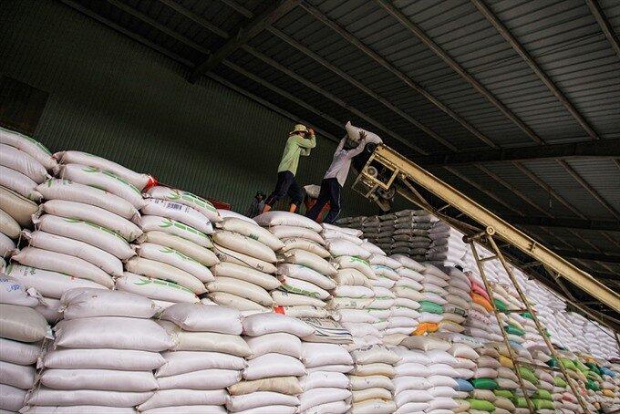 عرضه برنج در استان های شمالی با نظر استانداران انجام می شود