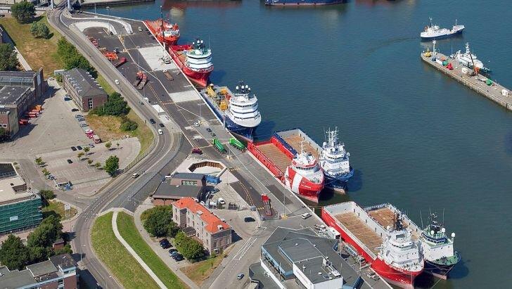صف کشتی ها در بنادر مازندران؛ افزایش عملیات بندری