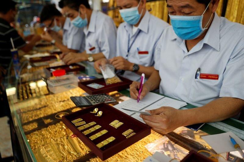 بازار طلا در انتظار محرک مالی ۱.۹ تریلیون دلاری بایدن| تردید در مسیر طلایی