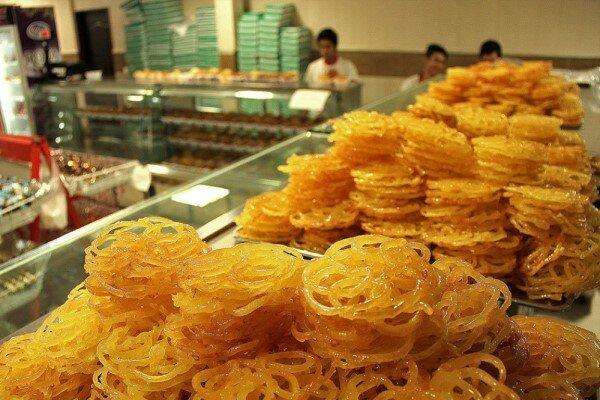 قیمت شیرینی در بازار تند است؛ کمبود مواد اولیه و گرانی سد راه تولید کنندگان