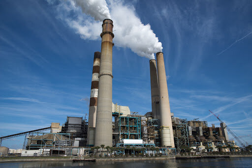 خصوصی سازی در صنعت برق با دغدغه های مشترک/ از قیمت گذای دستوری تا حجم بالای بدهی های معوق