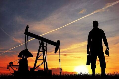 کاهش تولید روزانه نفت آمریکا به ۲ تا ۳ میلیون بشکه میرسد