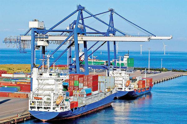 گمرک در دوردست تحولات؛ خطر در کمین صادرات