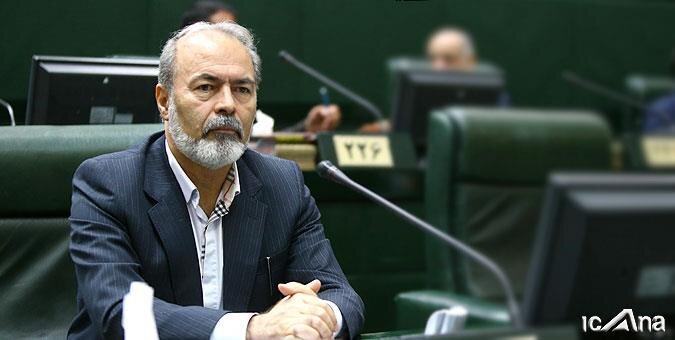 بروز حوادث متوالی در آزادراه تازه تأسیس تهران-شمال تعجب آور است
