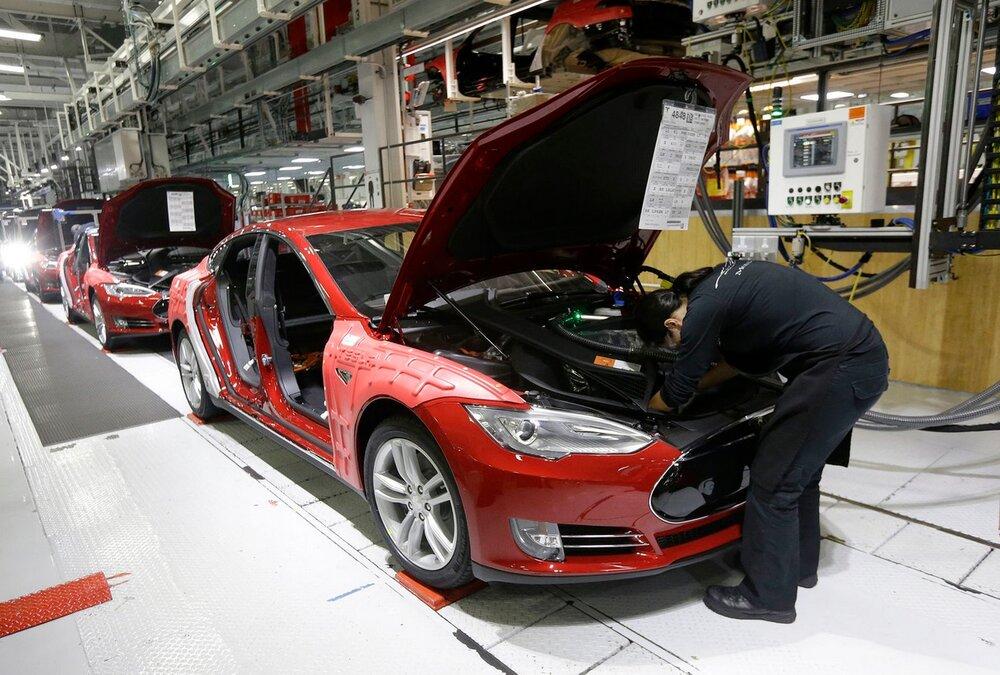 تولید ۱۰ هزار خودروی ناقص در خودروسازی تسلا| کاهش تولید به ۱.۲۷ میلیون دستگاه