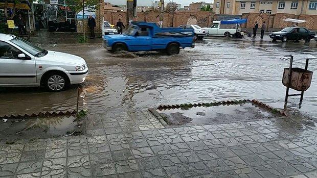 رهاسازی آب در معابر شهر ملایر