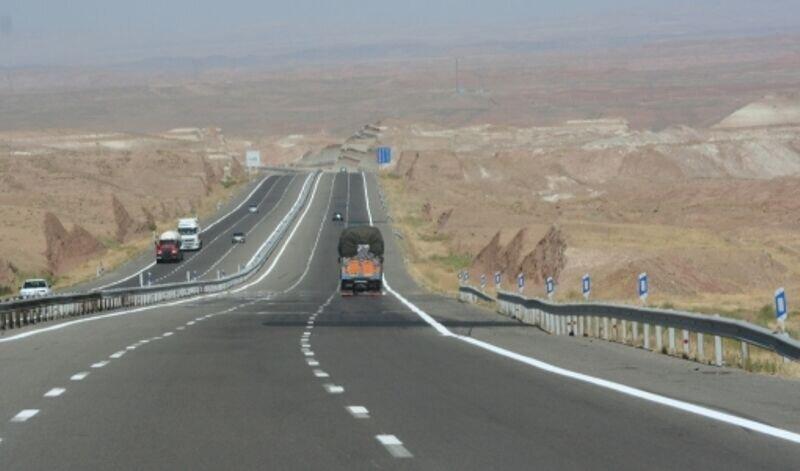 حرکت توسعه در محورهای مواصلاتی خراسان جنوبی/ ۲۵۰کیلومتر جاده دو بانده میشود