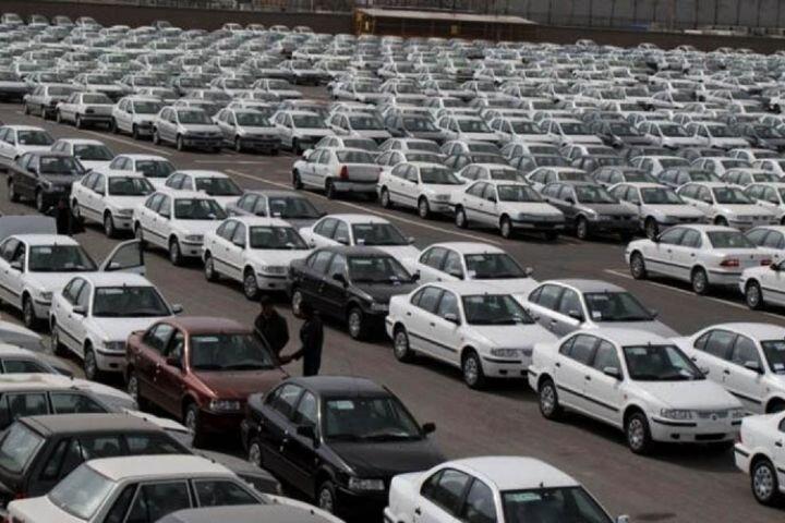 آیا باید با خودروهای زیر ۱۰۰ میلیون خداحافظی کرد؟ / زاوه: خودروسازان ماشین زیان و خلق نقدینگی شده اند