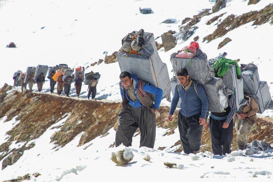 ۵ هزار و ۲۰۰ شغل برای کولبران کردستانی ایجاد می شود