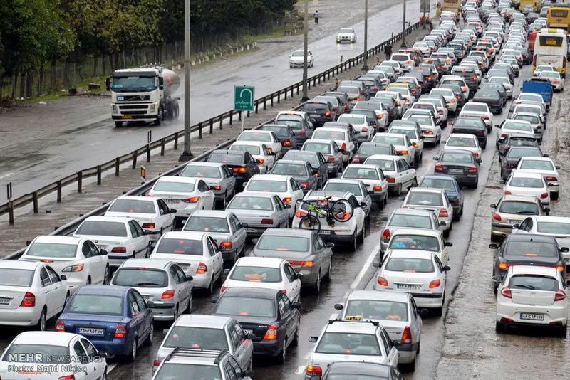 ترافیک سنگین در مسیرهای ورودی به سمت تهران