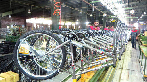 چرخ تولید در بزرگترین کارخانه دوچرخهسازی خاورمیانه بهکندی میچرخد