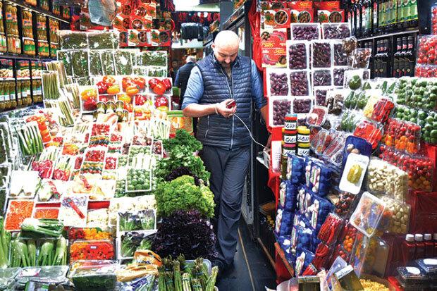 بازار میوه اصفهان در تلاطم؛ نوبرانههایی که وابسته به ارز و دلارند