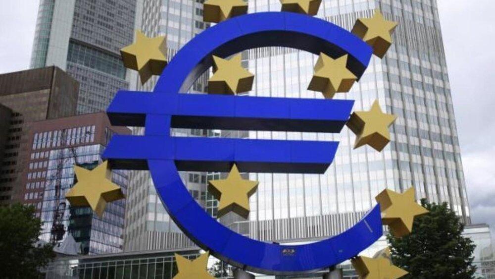 اقتصاد منطقه یورو کوچک تر شد