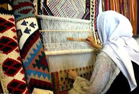 تسهیلات مشاغلخانگی پشتیبان به فعالان صنایع دستی لرستان پرداخت میشود