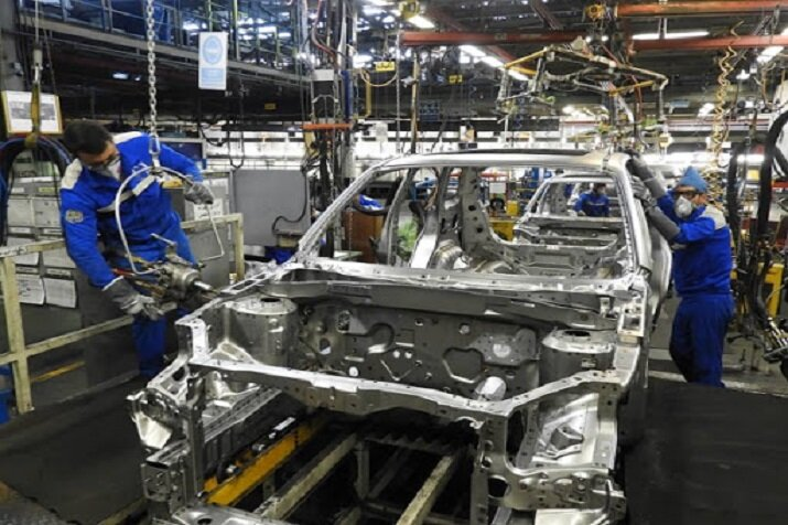 فرمان خودروسازان در سال ۱۴۰۰ به کدام سمت و سو است؟