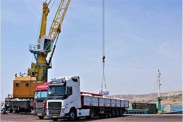 بارگیری اولین محموله صادراتی سیمان از بندر چابهار به مقصد دبی