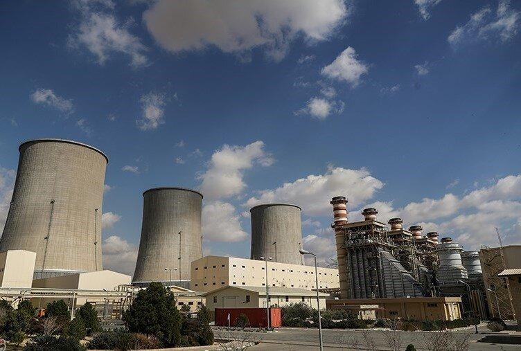 بدهی ۳۵ هزار میلیارد تومانی وزارت نیرو به نیروگاهها