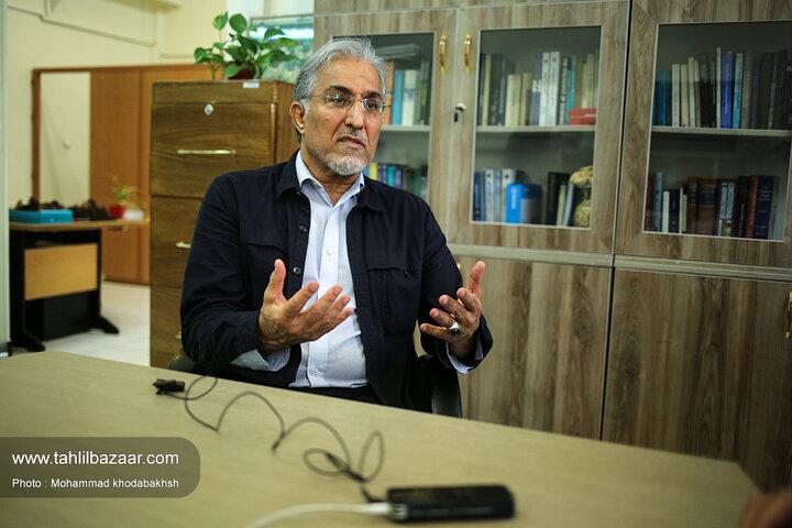 روایت یک اقتصاددان از اتفاقات عجیب در بورس تهران/ راغفر: با رباتهای ویژه تقاضای کاذب، مردم را فریب دادند