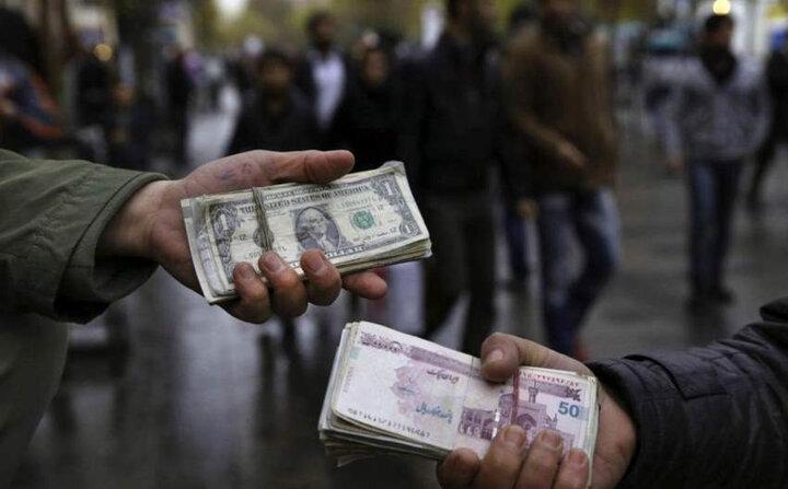 احتمال کاهش قیمت ارز در روزهای آتی قوت گرفت/ بانک مرکزی وارد بازار ارز می شود!