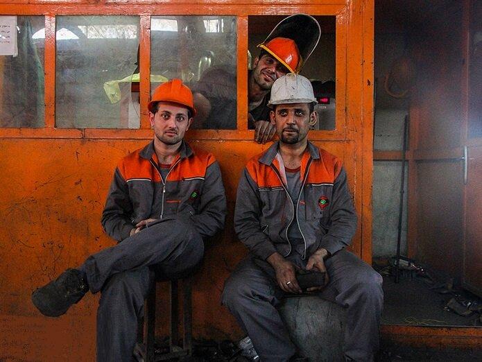 چرا کارگران از افزایش ۳۹ درصدی حقوق  ناراضی هستند؟| وزارت کار مقصر حقوق پایین خبرنگاران نیست