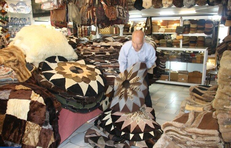 پوستاندازی فروشگاههای صنایعدستی؛ هنر پوستیندوزی آب میرود