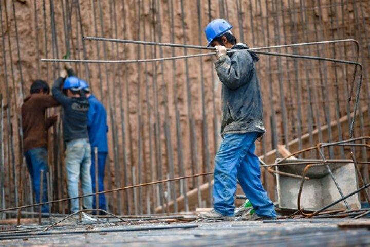 کارگران ساختمانی در قم آموزش میبینند
