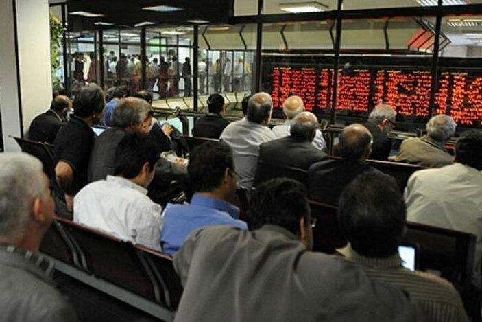 سهامداران با نگاه بلند مدت به بازار سرمایه صبور باشند