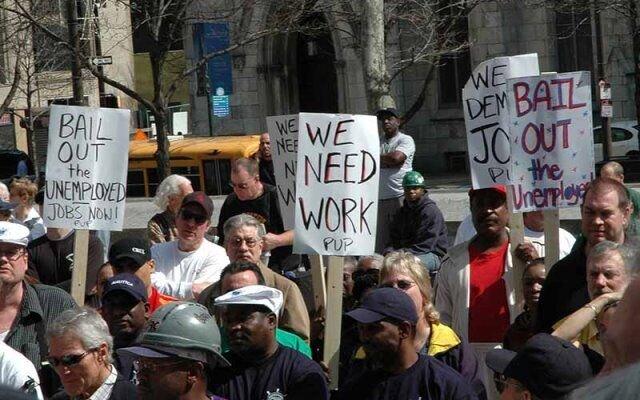 محرومیت میلیونها آمریکایی از حقوق بیکاری