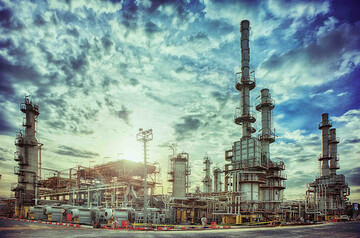دامنه قیمت نفت طی ۱۰ سال آینده ۴۰ تا ۵۵ دلار است/ ایران بر صادرات گاز تمرکز کند